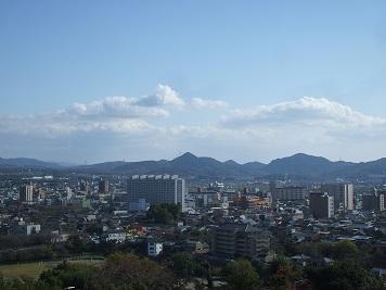 尾張富士と本宮山.JPG